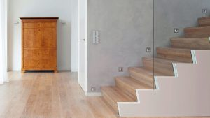 Stumpe Holzschrank 300x169